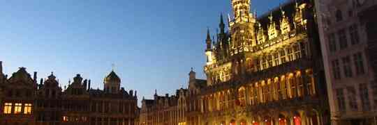 Brussels: Narrow Lanes & Neon Vests