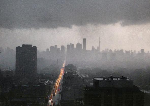 201379-rain-toronto